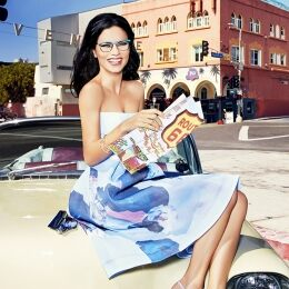Travelling in a vintage Cadillac along Route 66, the symbol of US pop culture, Adriana Lima wears optical model VO3999 in gunmetal-color brushed metal with mat blue upper rims (also available in other color combinations).