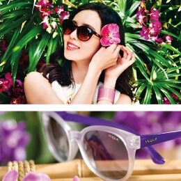 Translucent and transparent front and temples in matte purple. The Crystal Colors model evokes the radiance of exotic beauty like that of Liu Shishi