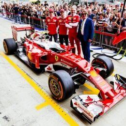 Ray-Ban makes its mark at Formula One