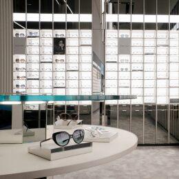 Nuovo design e selezione ampliata: il viaggio esclusivo nei due negozi monomarca LensCrafter di New York