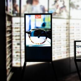 LUXOTTICA AT MIDO: THE DIGITAL REVOLUTION BROUGHT TO EYECARE PROFESSIONALS
