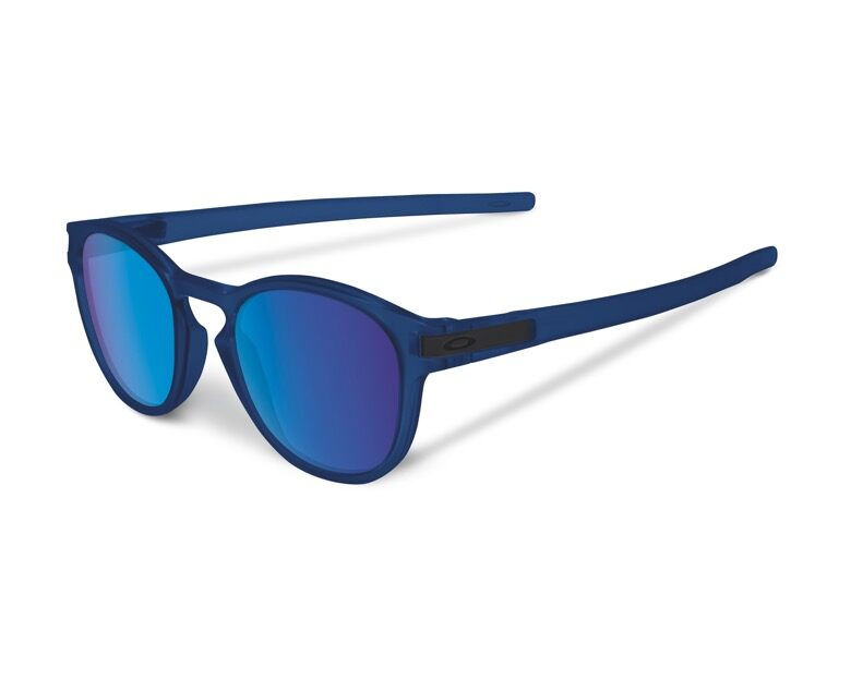 2d6668729 Oakley Latch: from skateboard icons, a piece of style and functionality