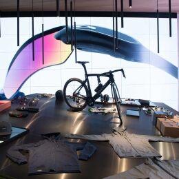 Oakley apre a Milano il primo concept store monomarca - 4