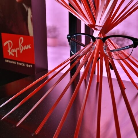 The Envision campaign and the legendary Ray-Ban lenses in China