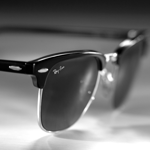 RAY-BAN ICONS - CLUBMASTERS. Distinctive features: unique