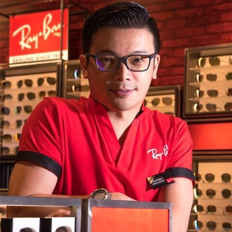RAY-BAN EXPANDS IN CHINA WITH MORE THAN 100 STORES