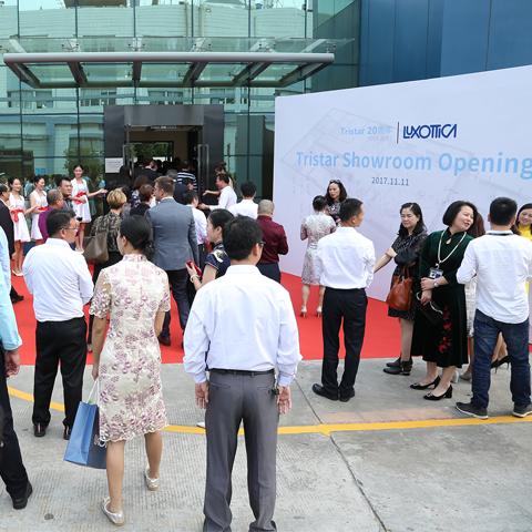 Vent'anni di produzione Luxottica in Cina, tra crescita e qualità