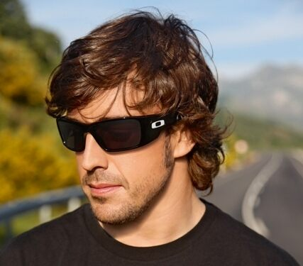 Fernando Alonso joins Oakley family